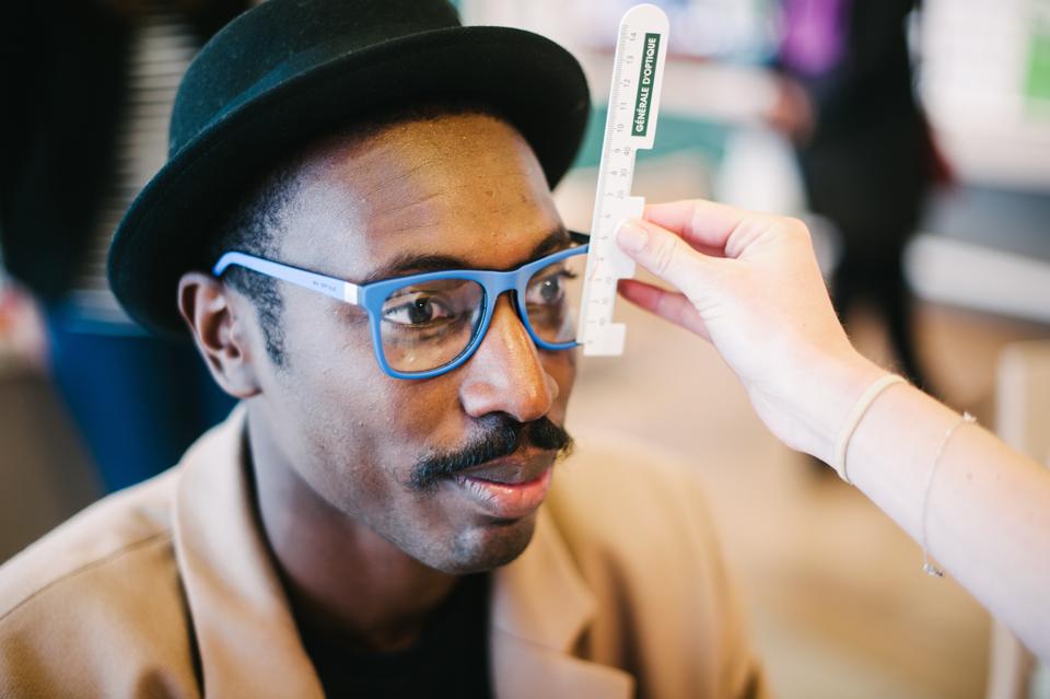 monture-lunettes-bleue-vue