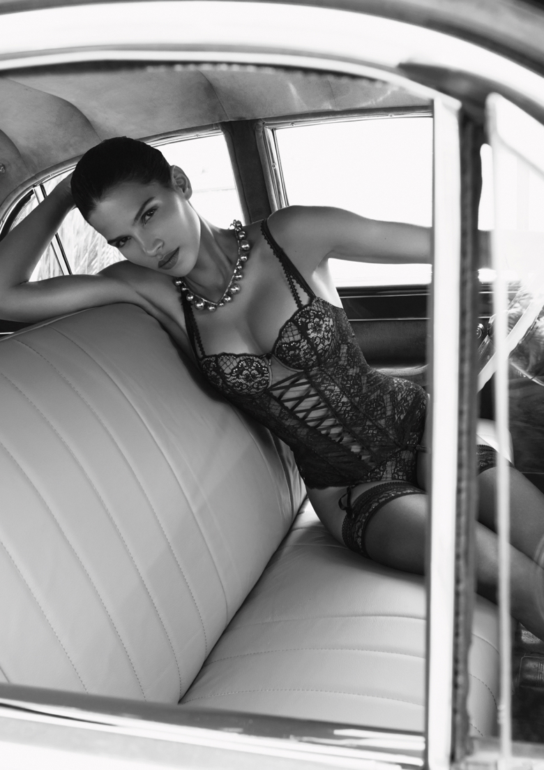 Raica Oliveira Glamour