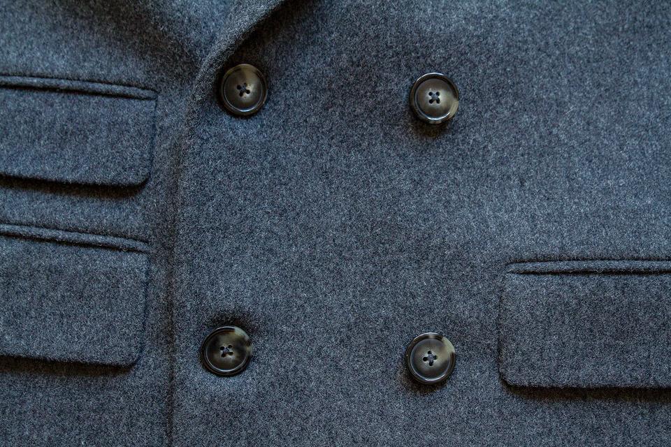 boutonniere-croisee-manteau-gant