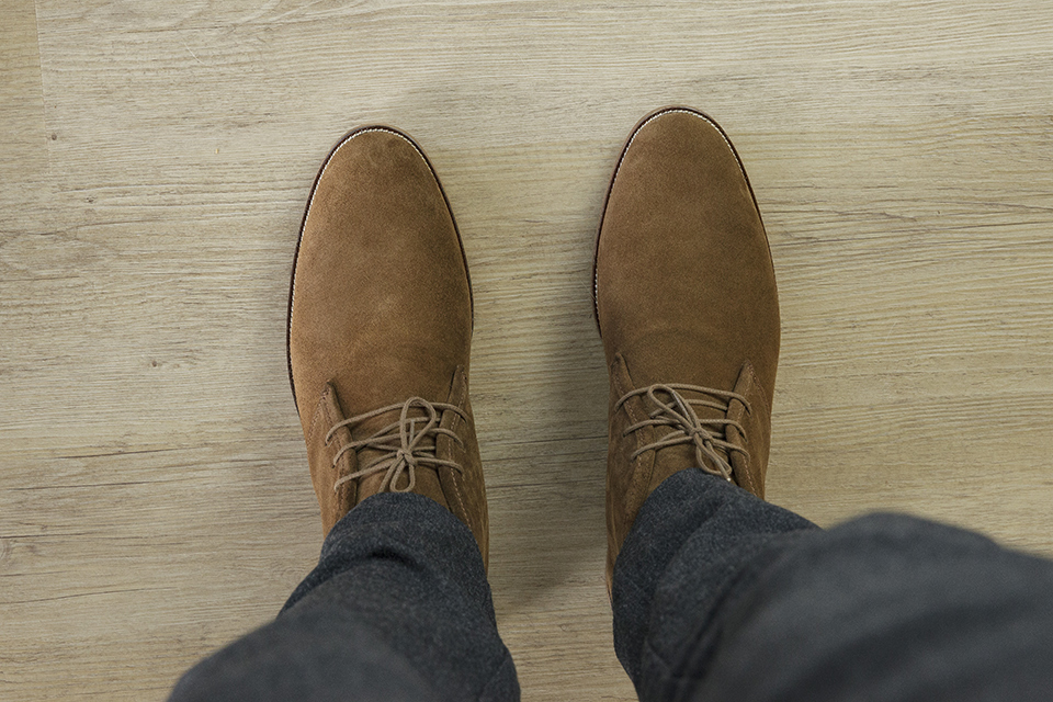 Chukka Boots Bobbies Look