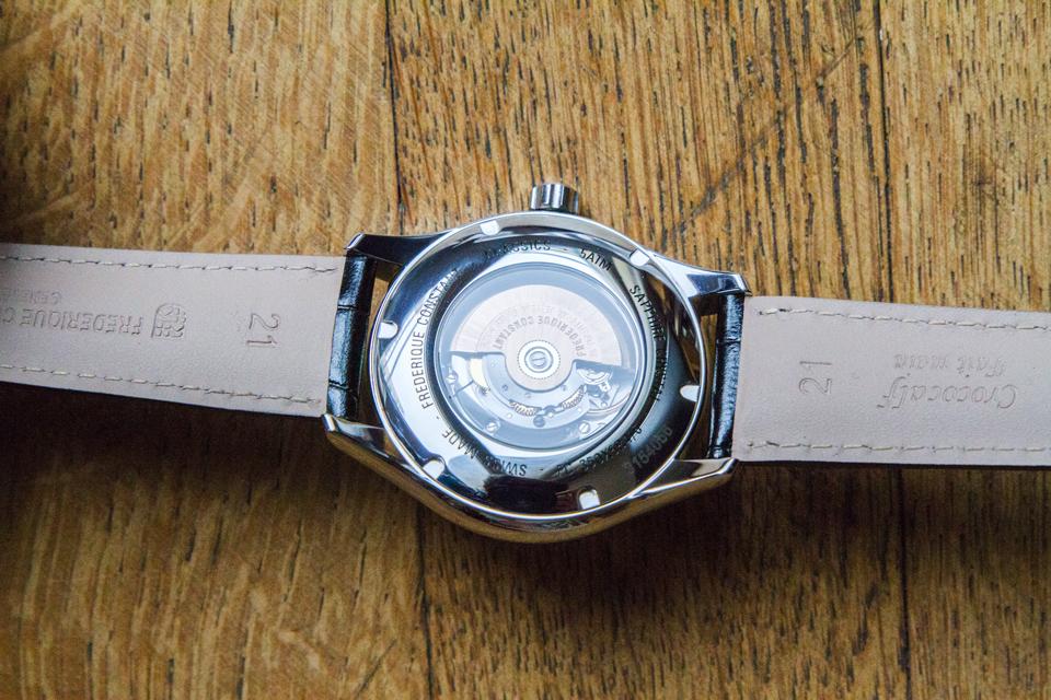 fond-frederique-constant-montre-classics-index-gmt