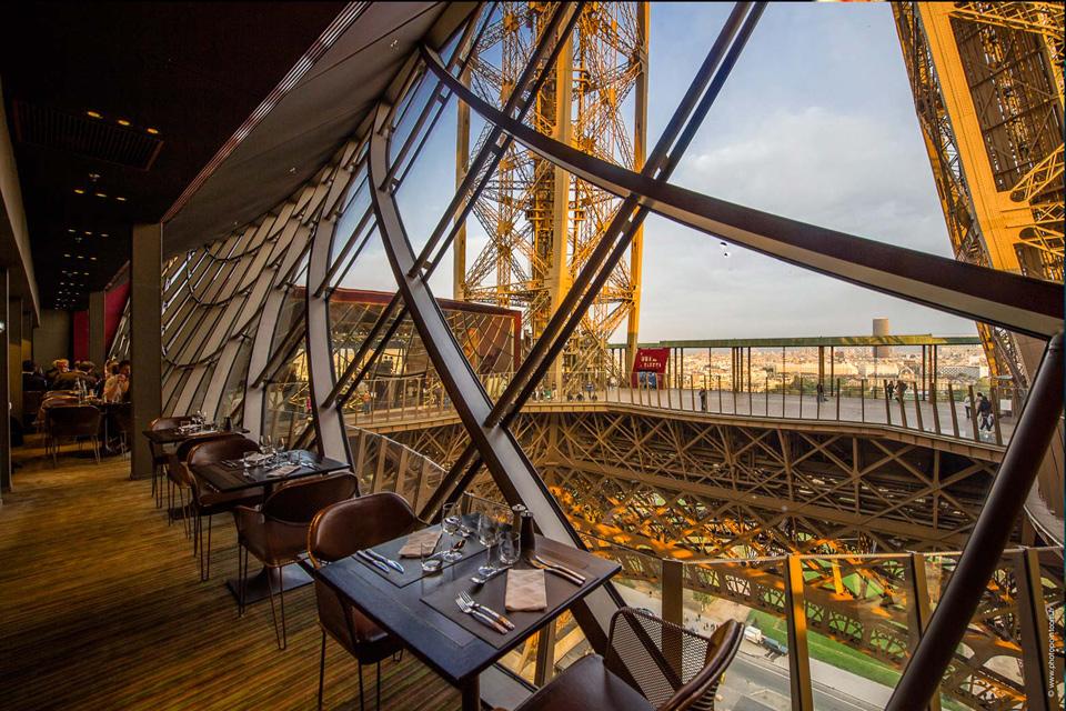 10 restaurants romantiques paris - Restaurant le 58 tour eiffel ...