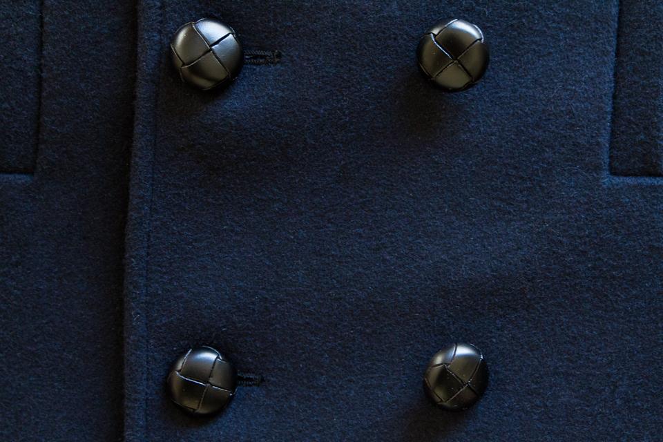 caban-maison-standards-boutons-cuir