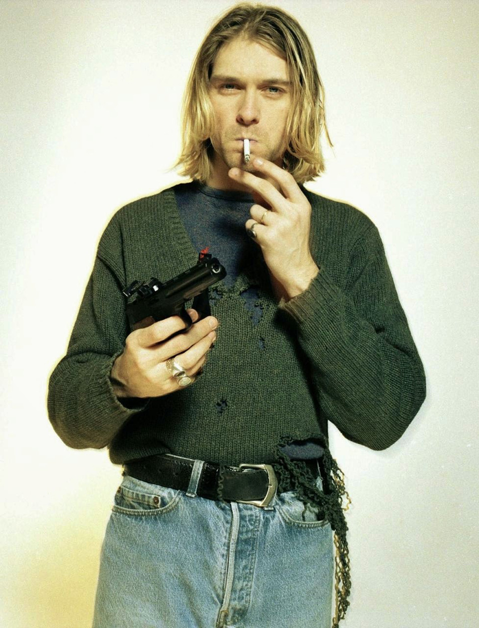 kurt cobain gun style