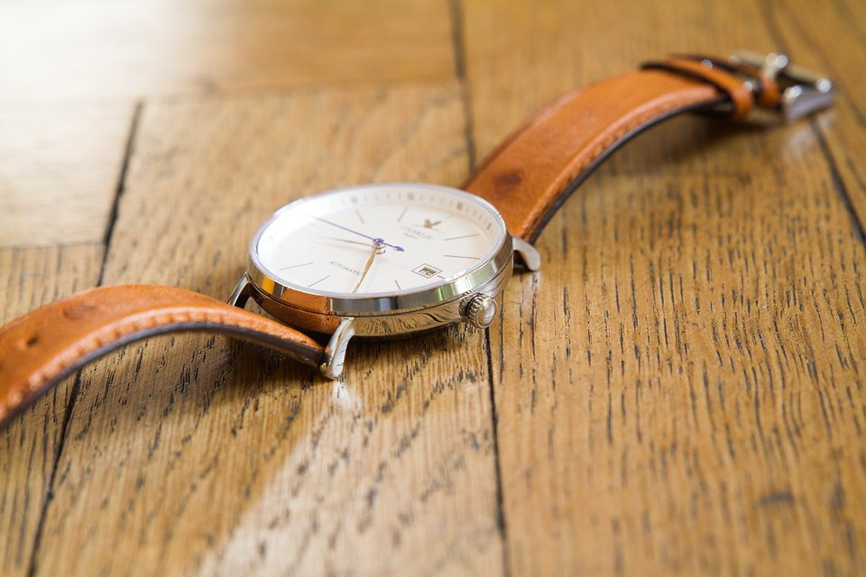Montre charlie watch initial couronne