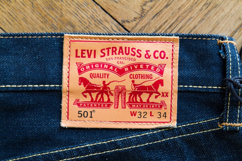 patch-cuir-levis-501-jeans