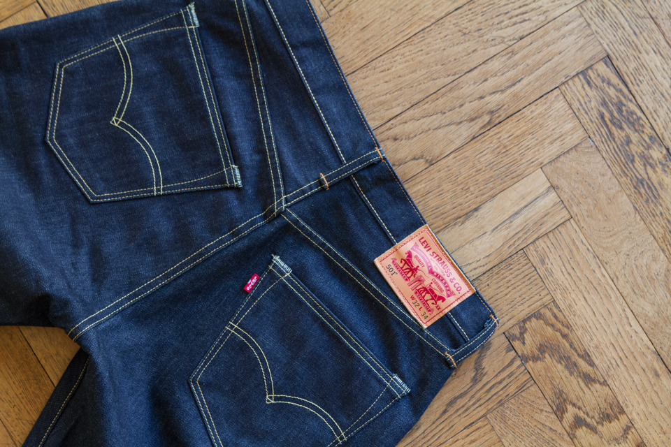 Levis 501 poches arrieres