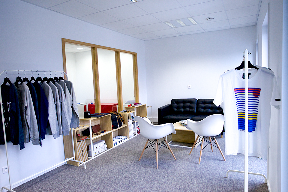 portants marque showroom