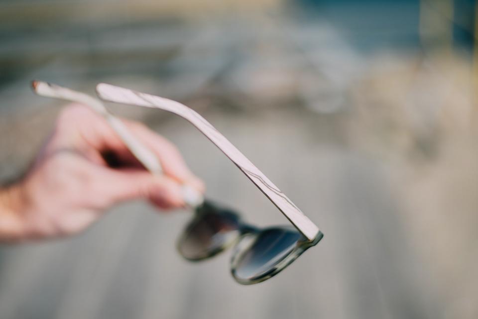 rezin-lunettes-bois