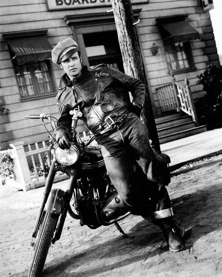 1954-equipee-sauvage-marlon-brando