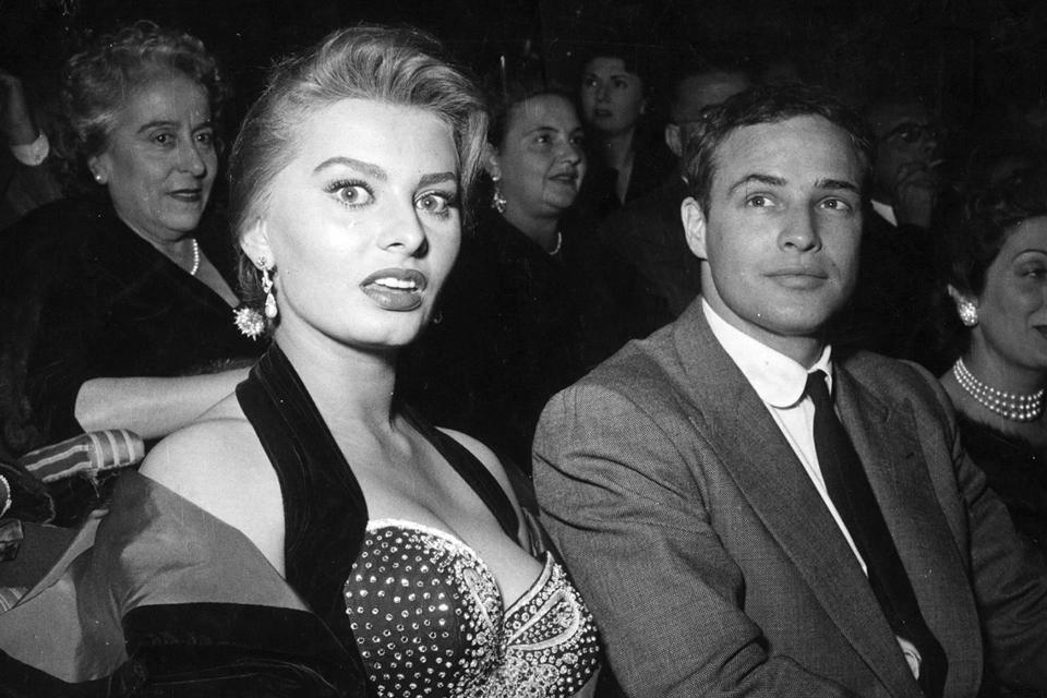 1954-marlon-brando-sofia-loren
