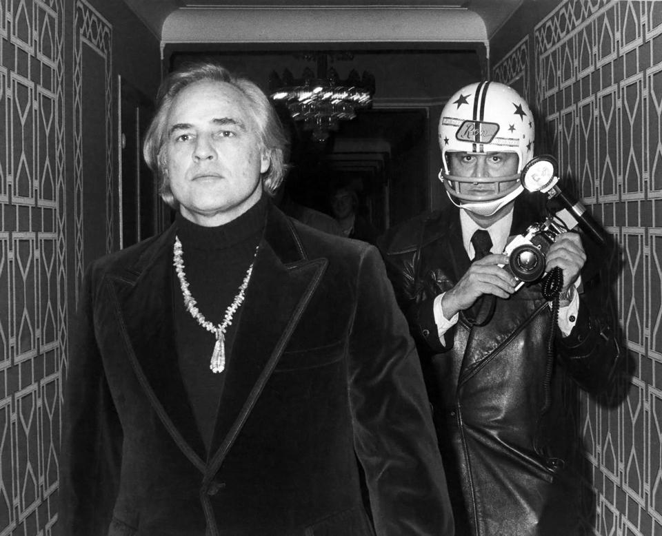 1973-marlon-brando-ron-gallela