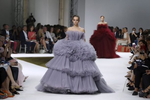 le defile giambattista valli 16-17-haute couture