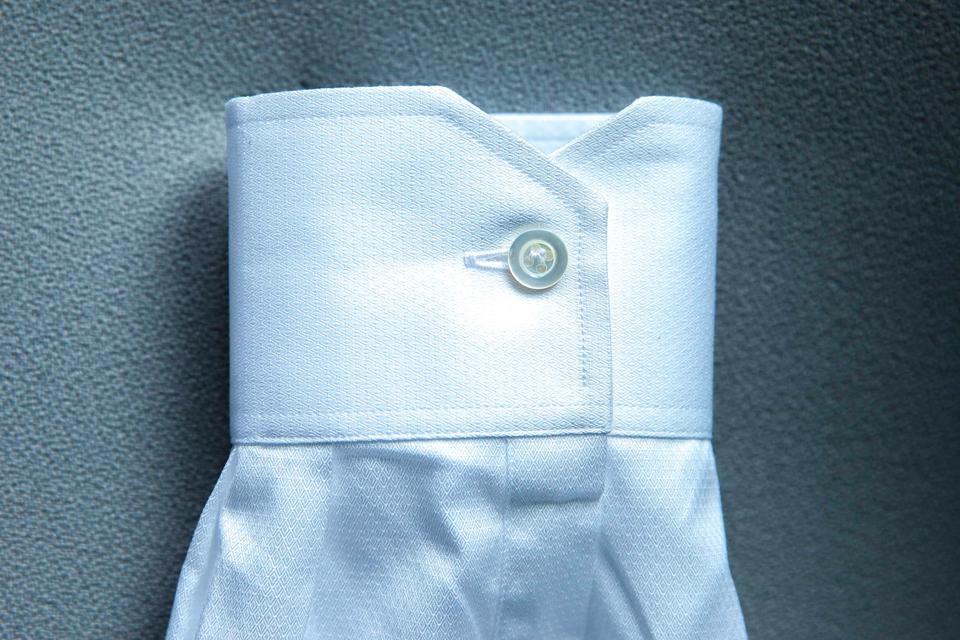 chemise-hast-poignets