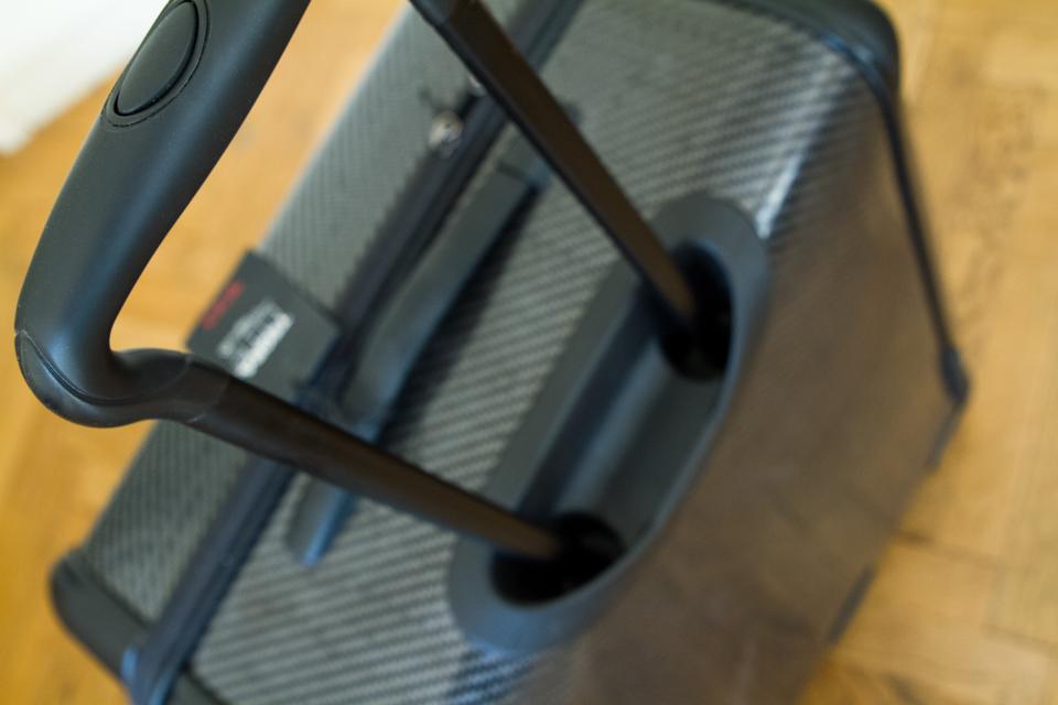 tumi-poignee-valise