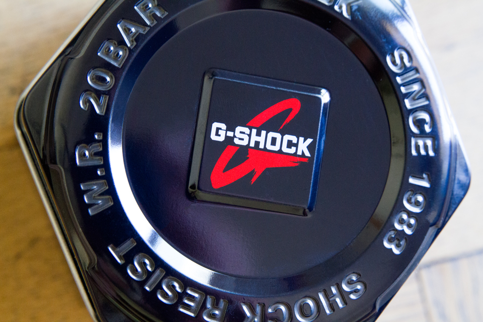 g-shock logo montre