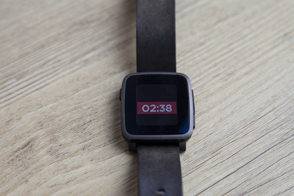 montre pebble ecran affichage