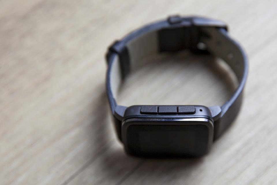 montre pebble smartwatch boutons bracelet app applications