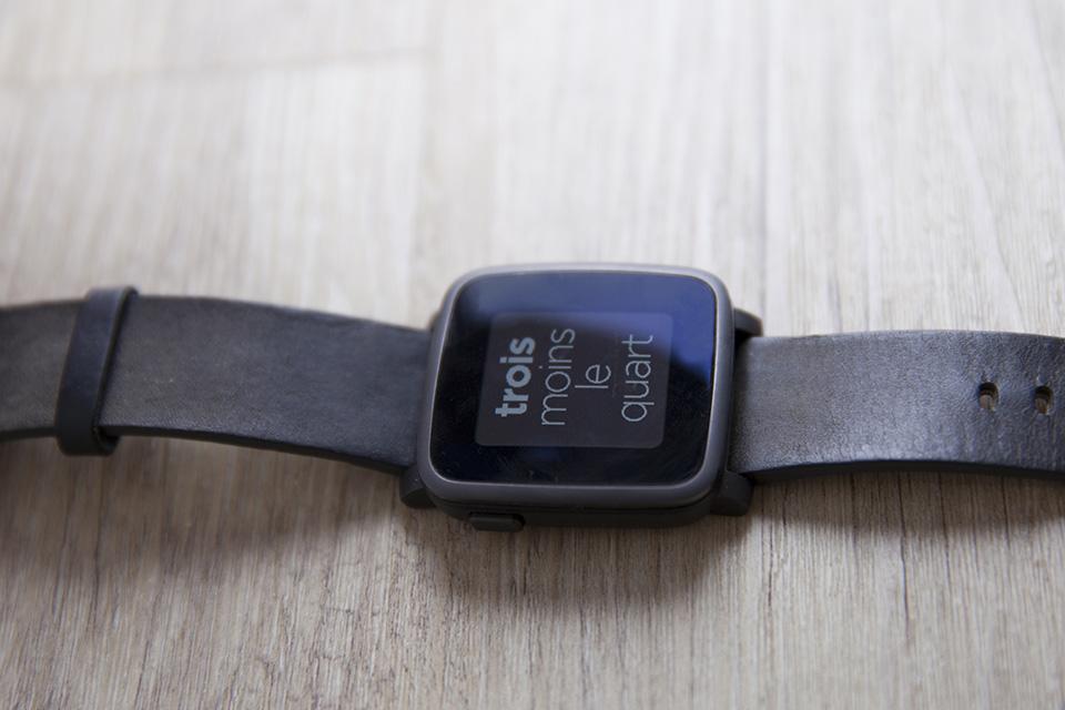 montre pebble smartwatch time affichage test