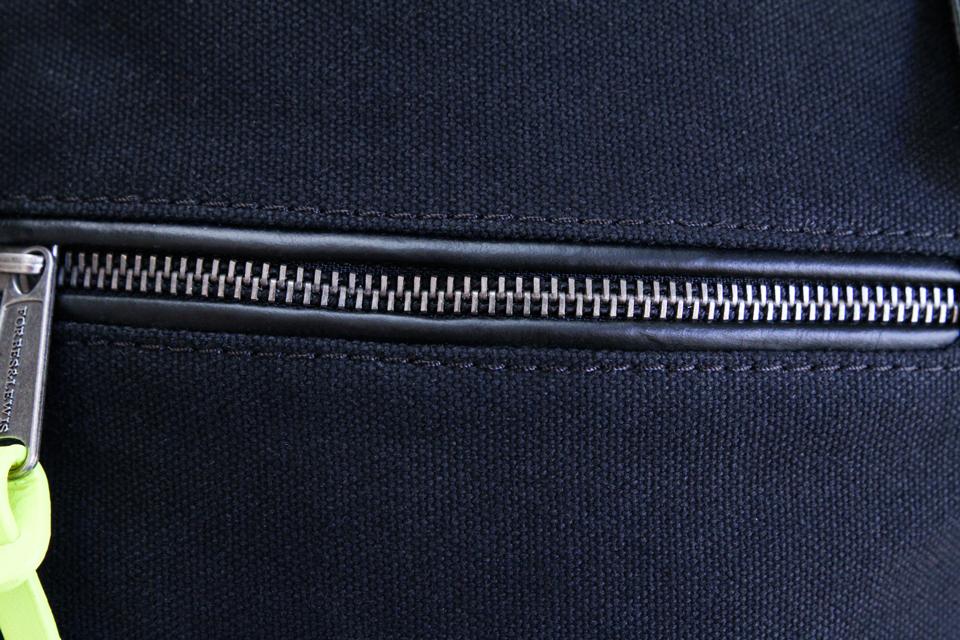 zip cuir lewis forbes