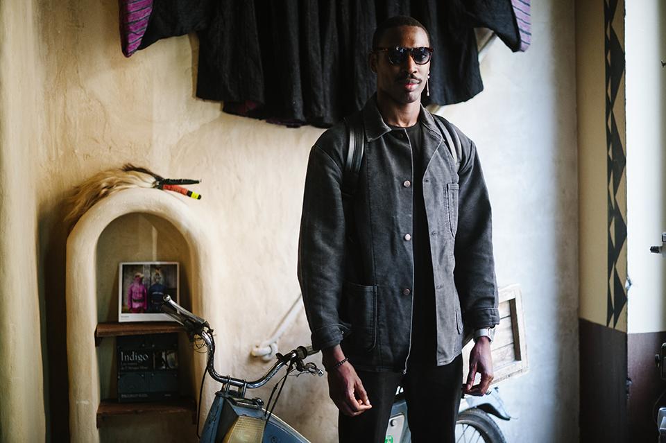 look sega marche noir homme wolfnoir basus maison standard