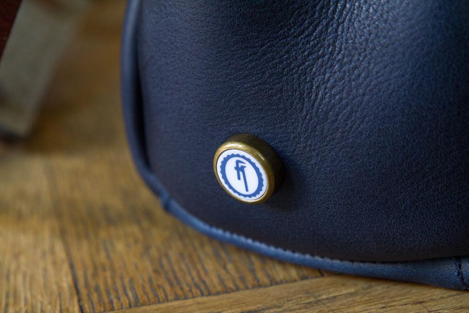bouton ceramique bleu de chauffe