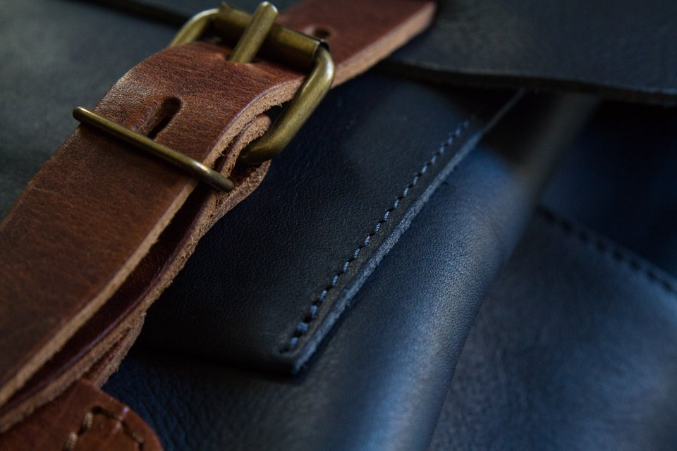 finitions coutures sacs bleu de chauffe