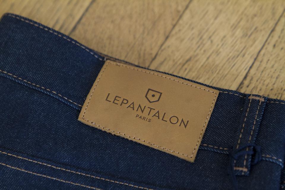 le pantalon patch cuir