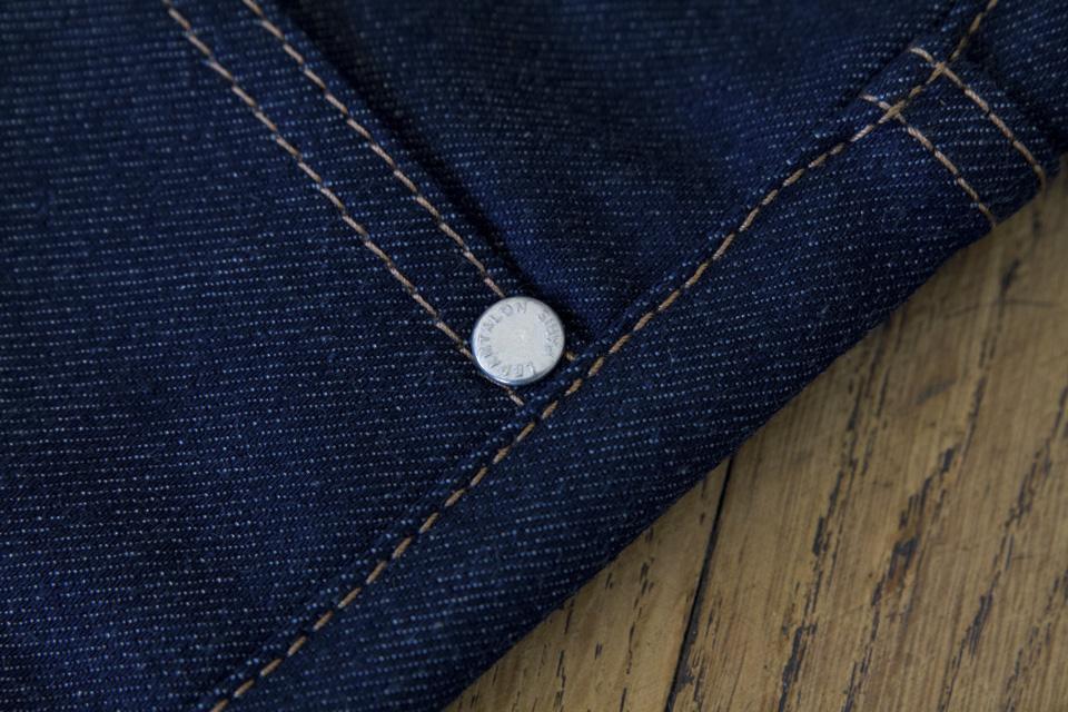 rivet plat jeans le pantalon