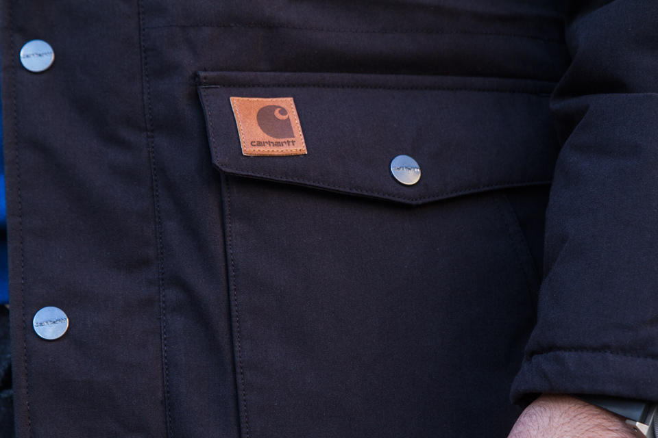 carhartt logo patch cuir