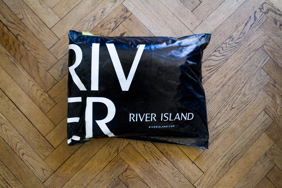 colis emballage river island