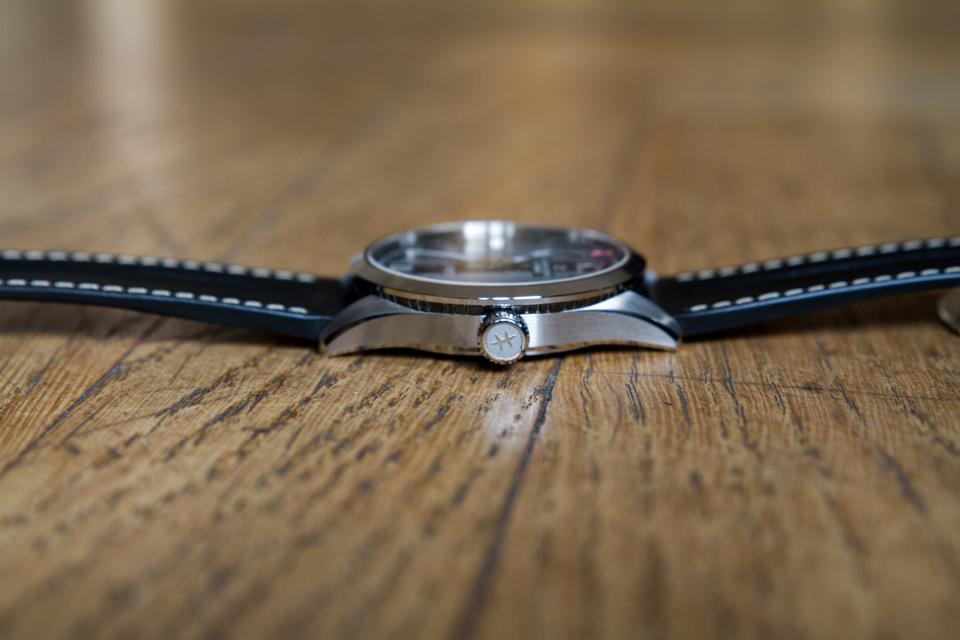 epaisseur montre hamilton broadway