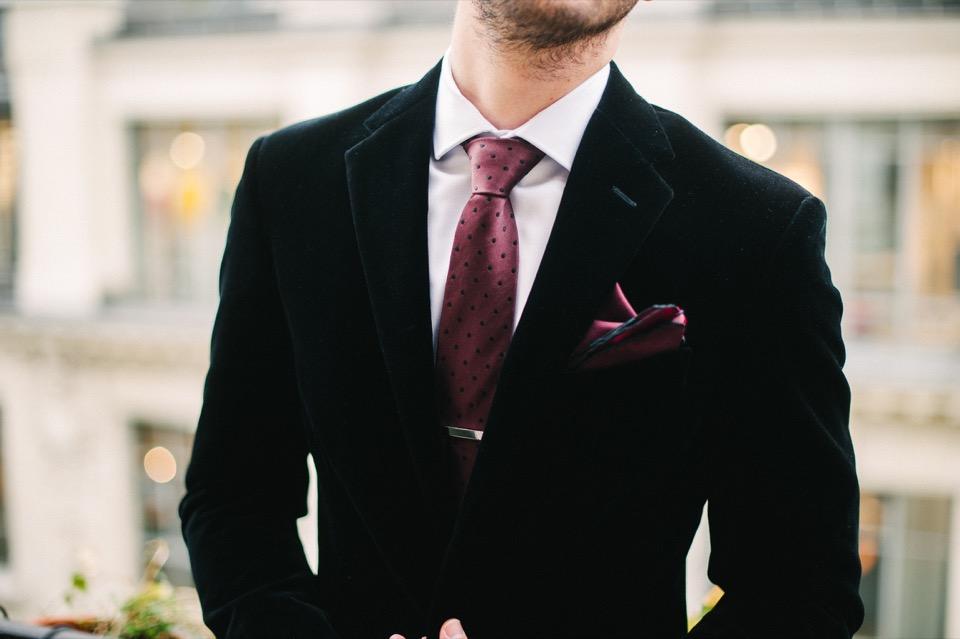 veste velours noir cravate pince cravate lanvin balcon paris