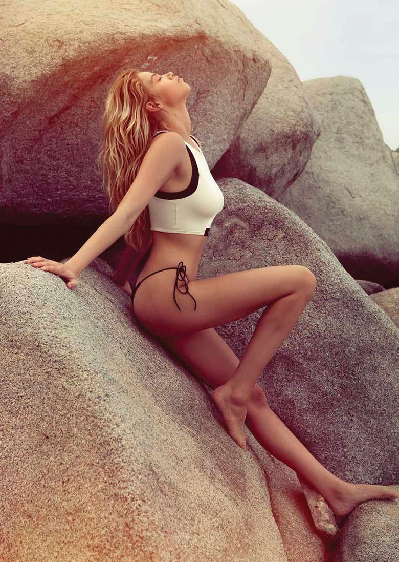 hailey clauson naked beach
