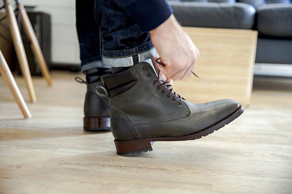 Boots Shoepassion essayage lacets