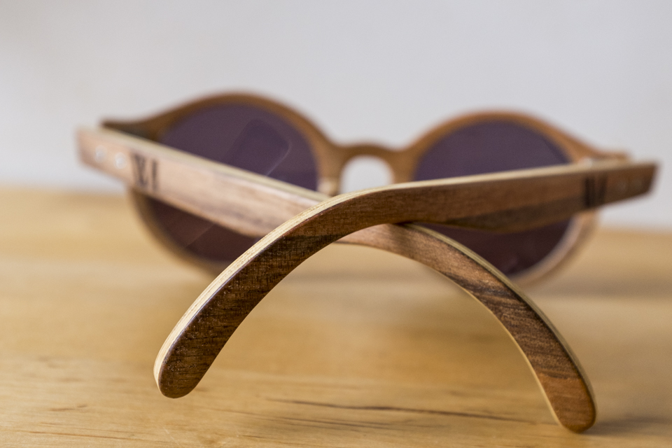 branches lunettes wood light