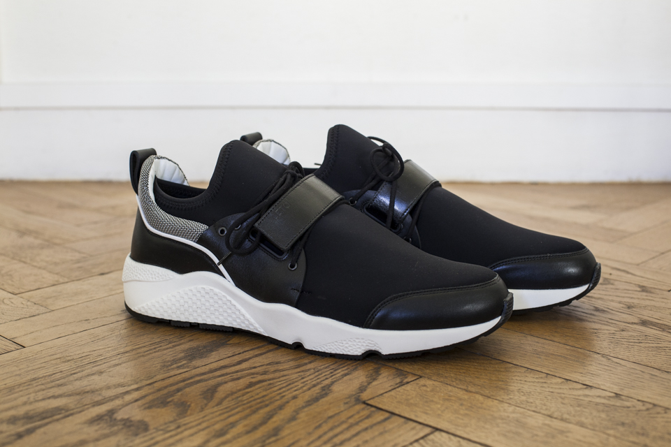 leto solid sneakers