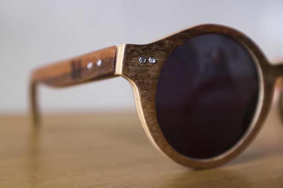 lunettes wood light plis bois