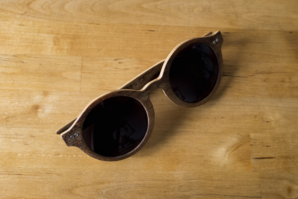 lunettes wood light ring