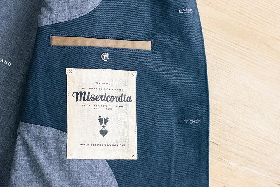 misericodia parka bleu etiquette