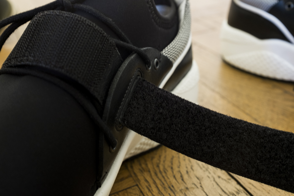 scractch sneakers leto