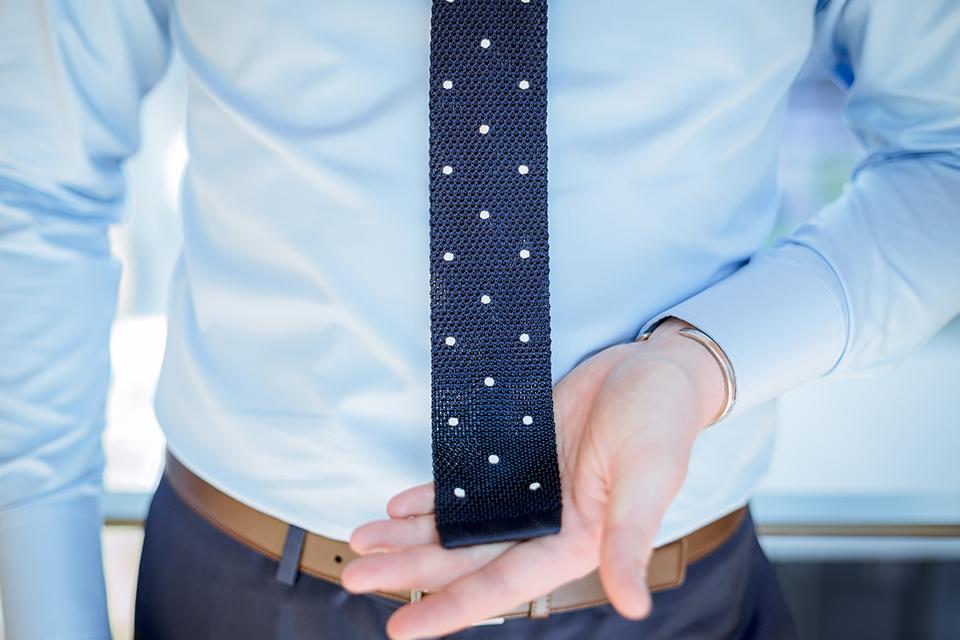 Bruce Field Cravate Portee Main