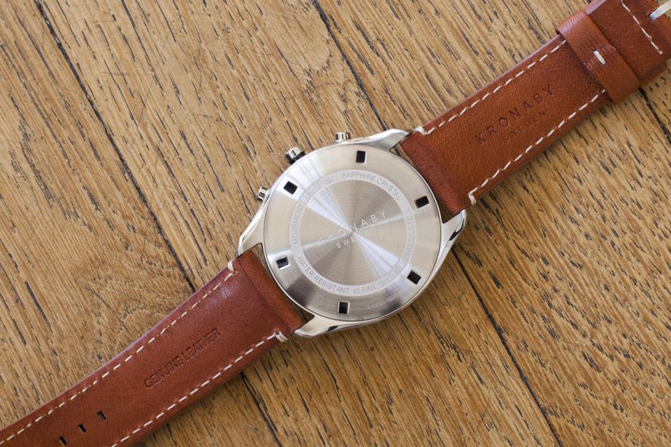 fond guilloche montre kronaby apex
