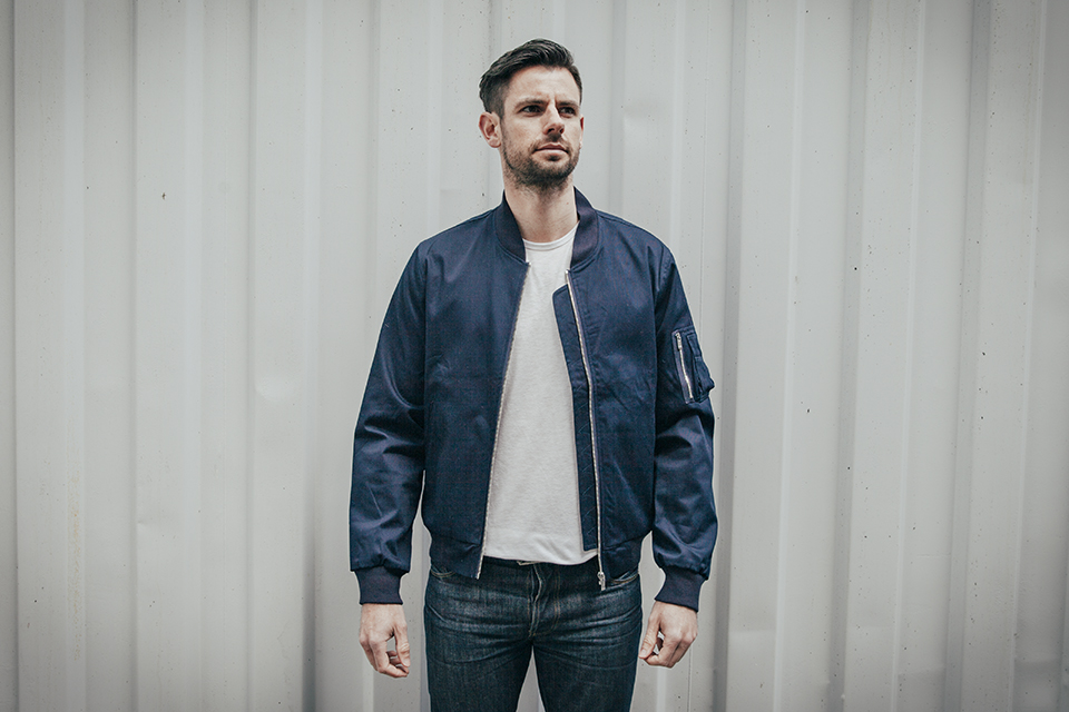 maison standards bomber face
