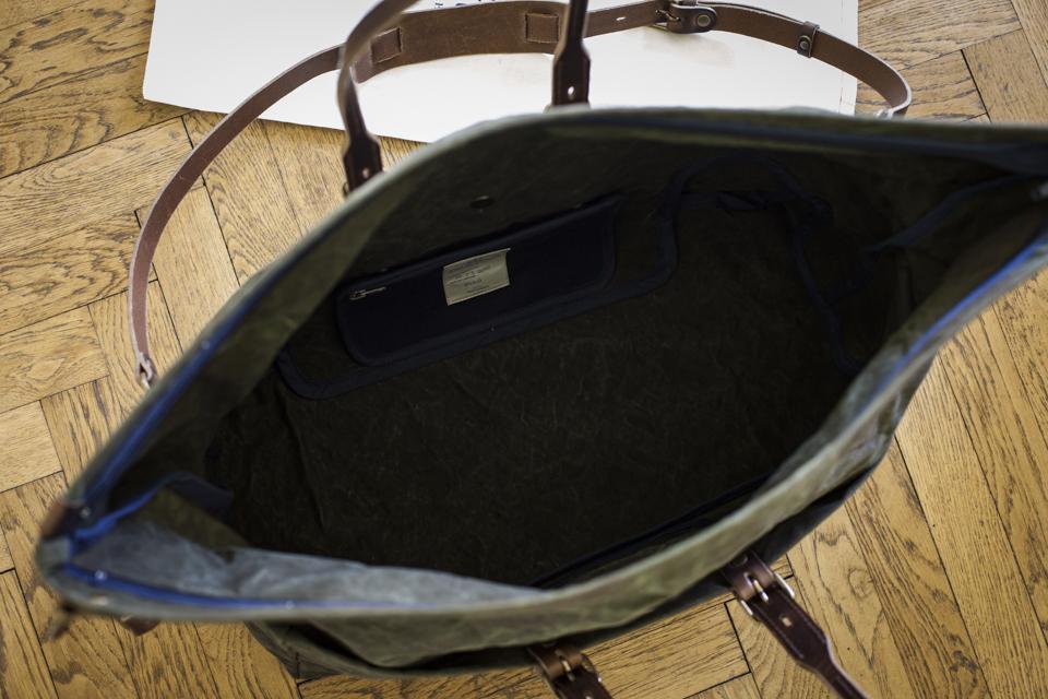 sac bleu de chauffe cabine interieur
