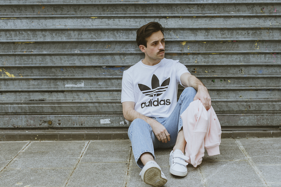 t-shirt adidas blanc
