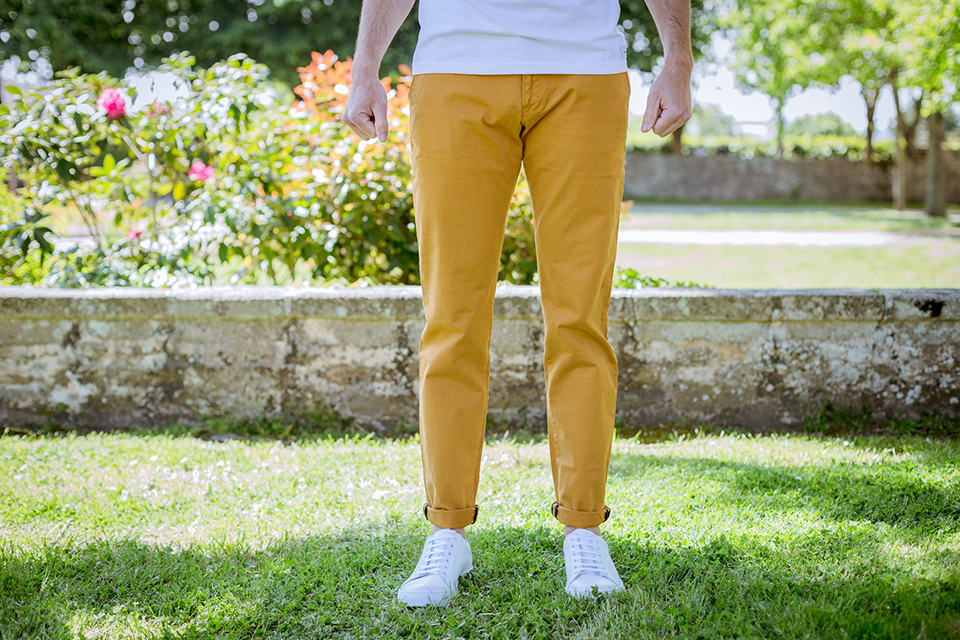 Chino Acolyte Moutarde Porte Face