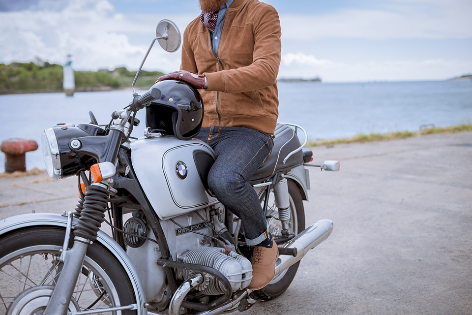Look Bmw Assis Moto De Cote