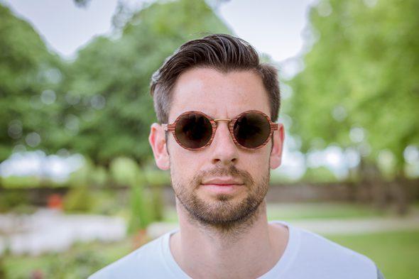 lunettes rezin oly acajou porte face