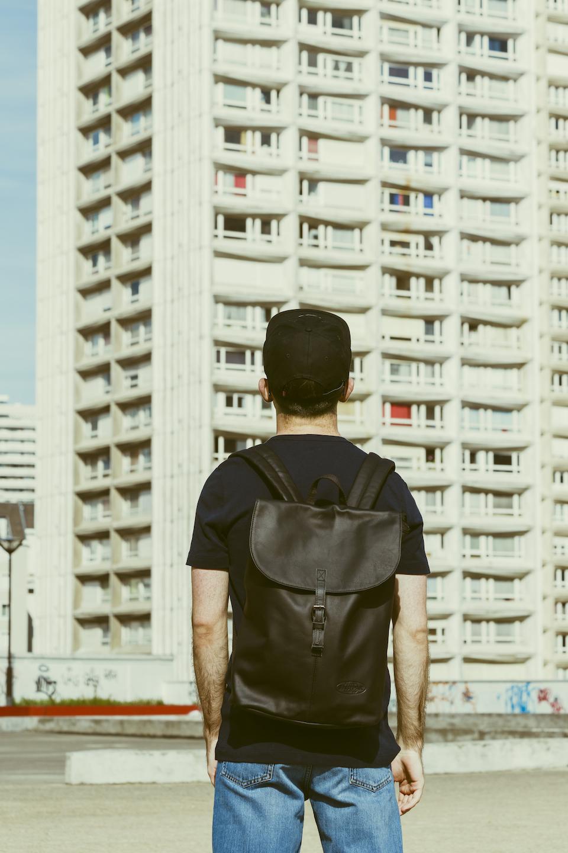 sac a dos eastpak noir cuir homme